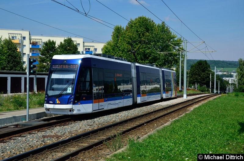 Bild: Wagen 702 als Linie 3 erreicht die Endstelle Winzerla.