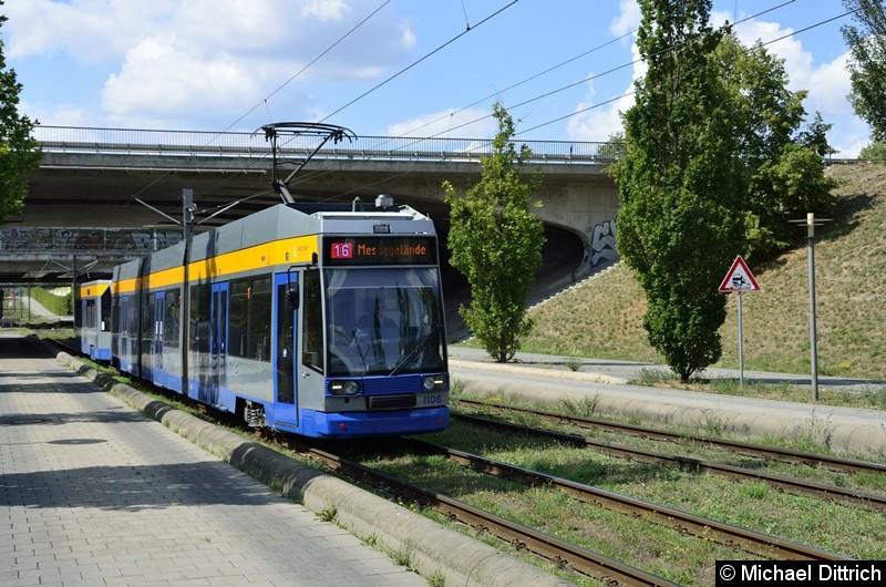 Bild: 1106 und 917 als Lnie 16 kurz hinter der Haltestelle S-Bahnhof Messe.