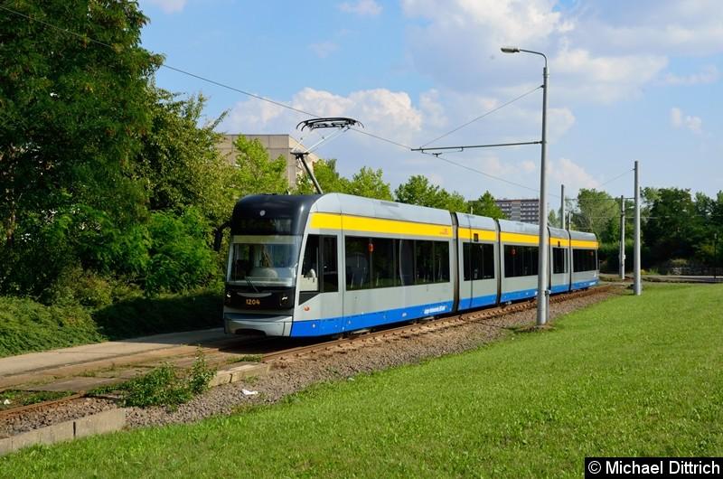 Bild: 1204 als Linie 8 an der Haltestelle Grünau-Nord.