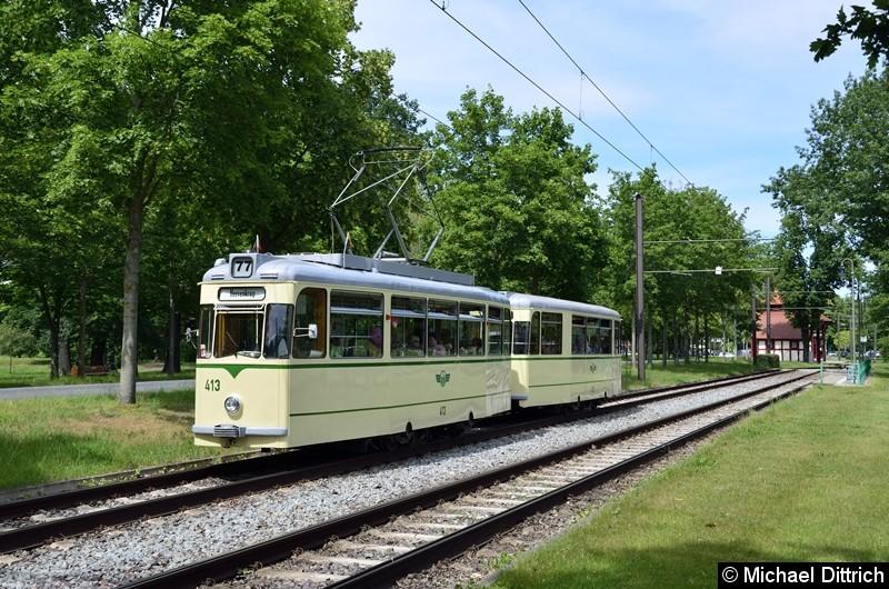 Der historische Triebwagen 413 und sein Beiwagen 509 bei der Abreise in Heerenkrug.