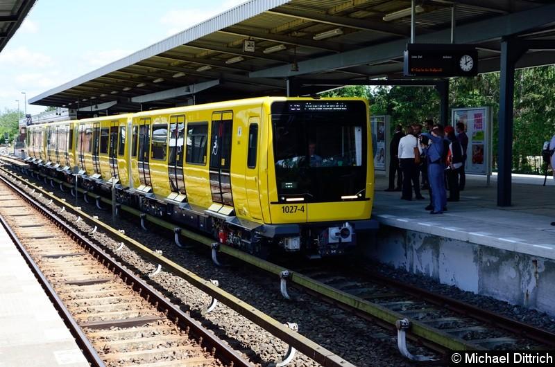 Bild: 1027 bei seiner Vorstellung auf dem Bahnhof Biesdorf.