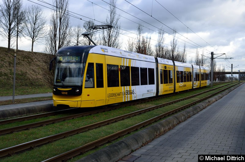 Bild: 1202 als Linie 16 kurz vor dem S-Bahnhof Messe.