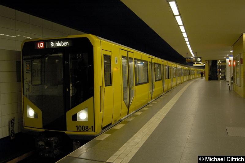 Bild: 1008-1 als U2 im Bahnhof Pankow.