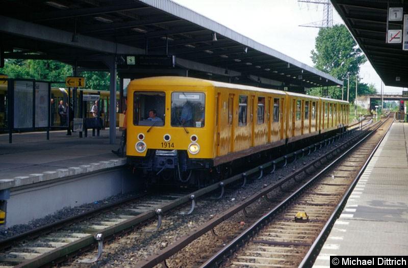 Bild: Museumszug 1914 im Bahnhof Biesdorf Süd.