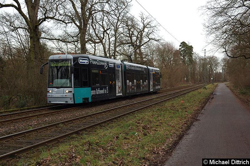 Bild: 249 als Linie 12 zwischen den Haltestellen Waldau und Waldfriedhof Goldstein.