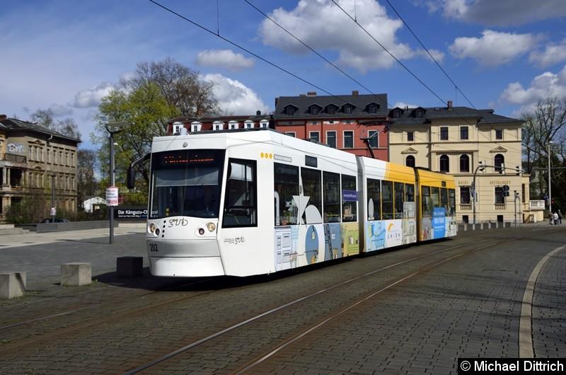 Bild: 202 als Linie 1 auf dem Weg zur Endstelle Untermhaus zwischen den Haltestellen Hauptbahnhof und Otto Dix.
